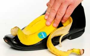 limpiar-con-platano-zapatos